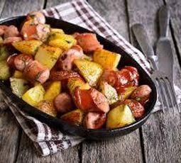Linguiça Assada com Batata e Legumes