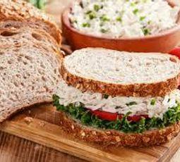 Sanduíche Natural de Frango Cremoso